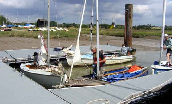wivenhoe pontoon