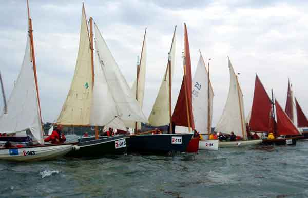 Boats of Flotilla 2 mark time by sailing against the tide