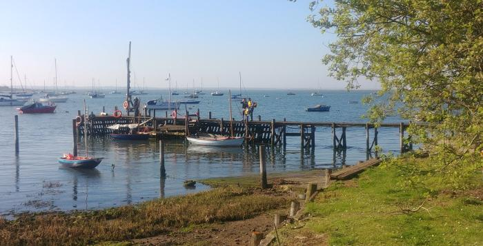 lower halstow yacht club jetty